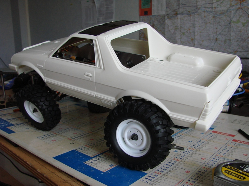 [Axial  AX10 ARTR]  Tamiya Subaru Brat 09