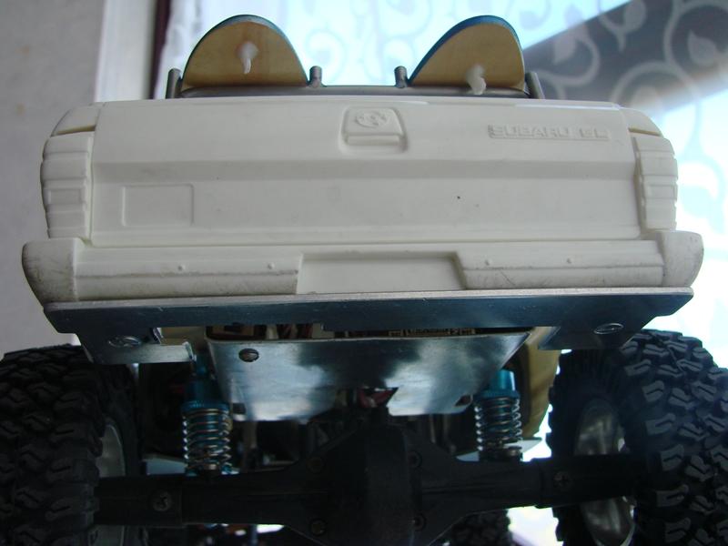 [Axial  AX10 ARTR]  Tamiya Subaru Brat 59