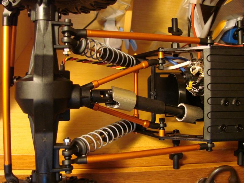 [Axial AX10 ARTR]De l'origine au F.R.A. System™  en passant par la hauteur variable. DSC05031