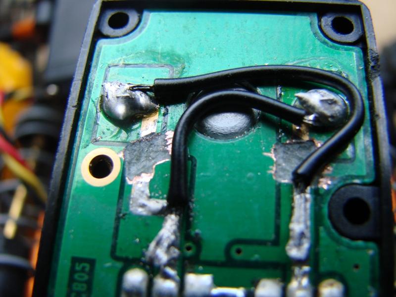 AXIAL 6x6 test d'une nouvelle façon de voir la transmission... - Page 3 Servo_inv