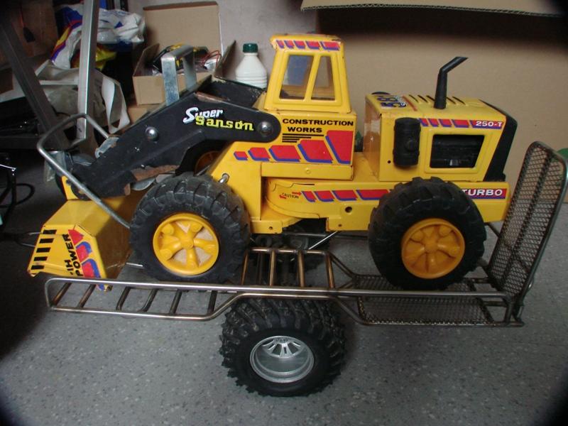 Chargeur a pneus - Jouet tôle Rico - verrin mécanique 003