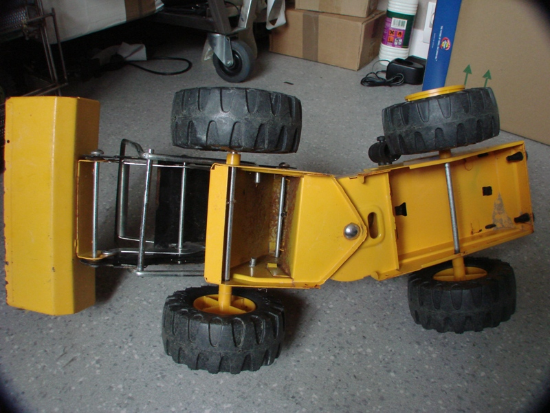 Chargeur a pneus - Jouet tôle Rico - verrin mécanique 008