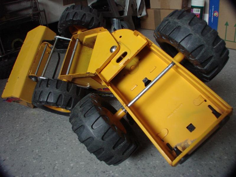 Chargeur a pneus - Jouet tôle Rico - verrin mécanique 009