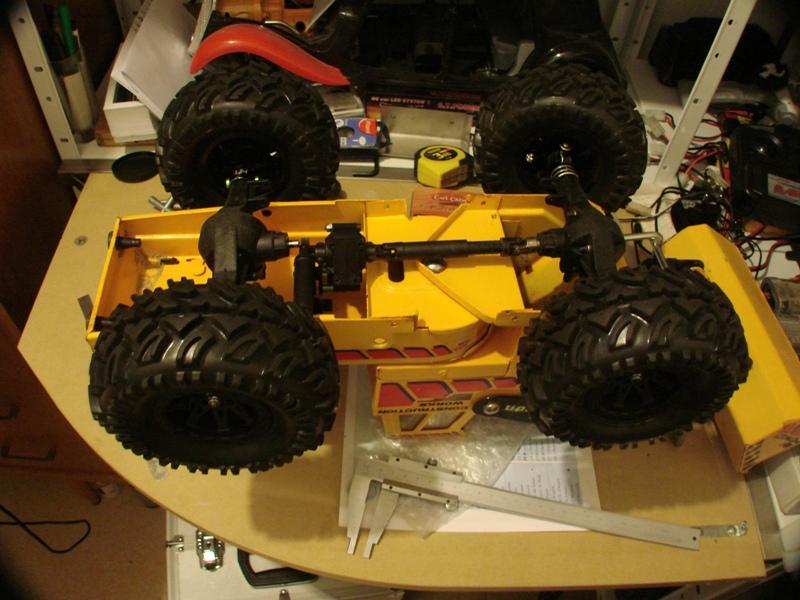 [SCX 10] Chargeur a pneus - Rico 013
