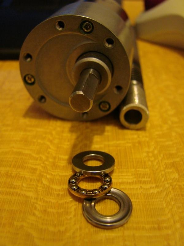 Chargeur a pneus - Jouet tôle Rico - verrin mécanique 046