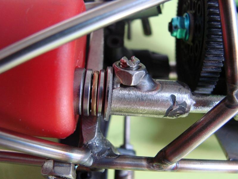 Chargeur a pneus - Jouet tôle Rico - verrin mécanique 052