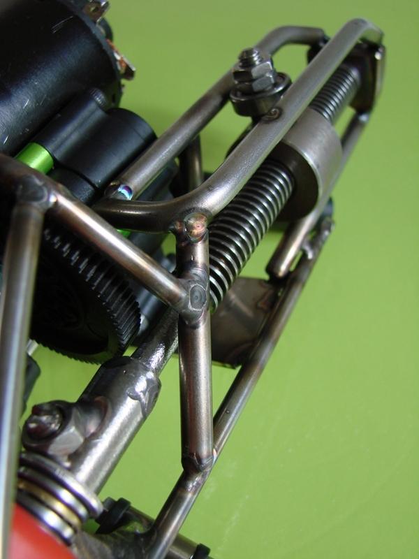 Chargeur a pneus - Jouet tôle Rico - verrin mécanique 054
