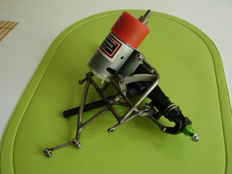 Chargeur a pneus - Jouet tôle Rico - verrin mécanique 055
