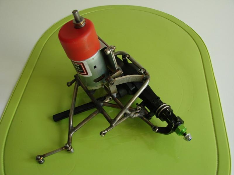 Chargeur a pneus - Jouet tôle Rico - verrin mécanique 056