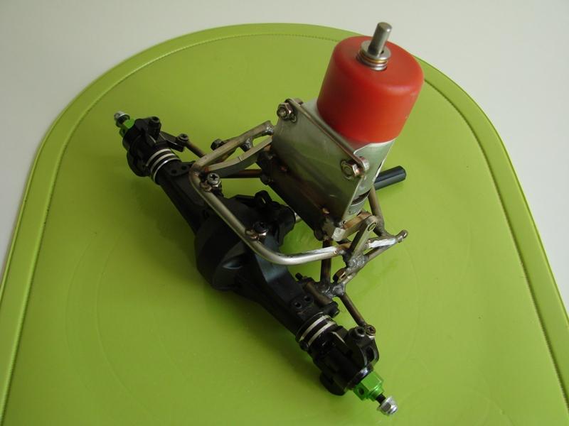 Chargeur a pneus - Jouet tôle Rico - verrin mécanique 057
