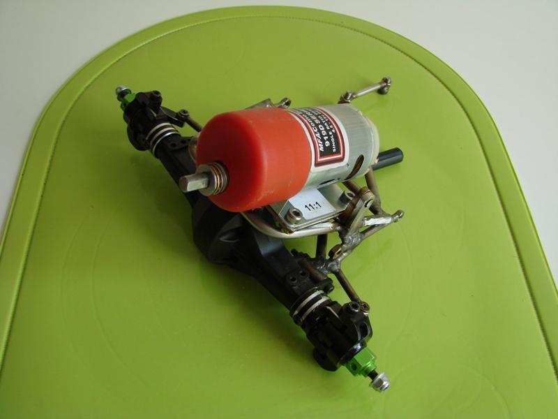 Chargeur a pneus - Jouet tôle Rico - verrin mécanique 058