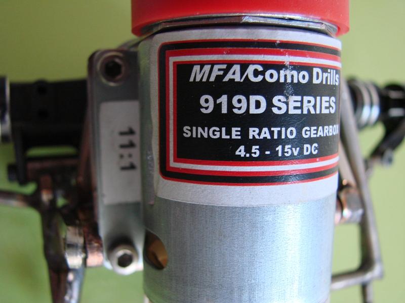 Chargeur a pneus - Jouet tôle Rico - verrin mécanique 061