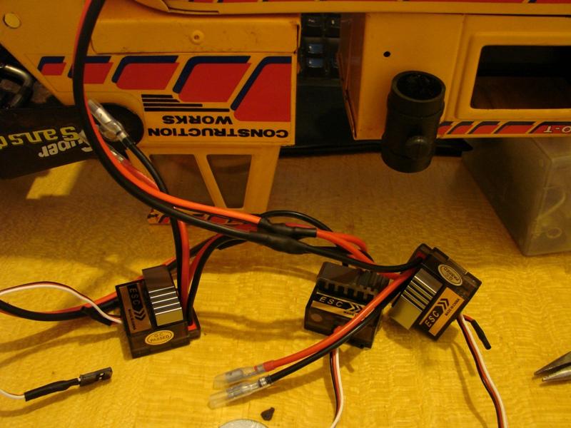 Chargeur a pneus - Jouet tôle Rico - verrin mécanique 070