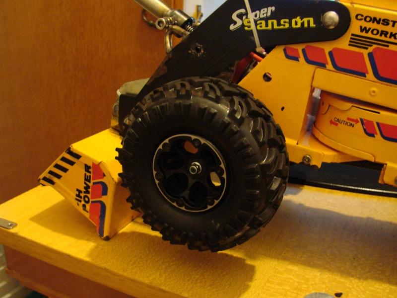 Chargeur a pneus - Jouet tôle Rico - verrin mécanique 076