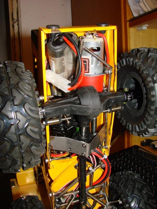 [SCX 10] Chargeur a pneus - Rico 081