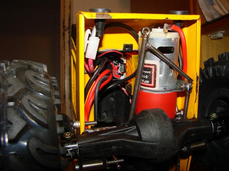 [SCX 10] Chargeur a pneus - Rico 082