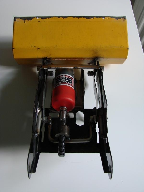 [SCX 10] Chargeur a pneus - Rico 084