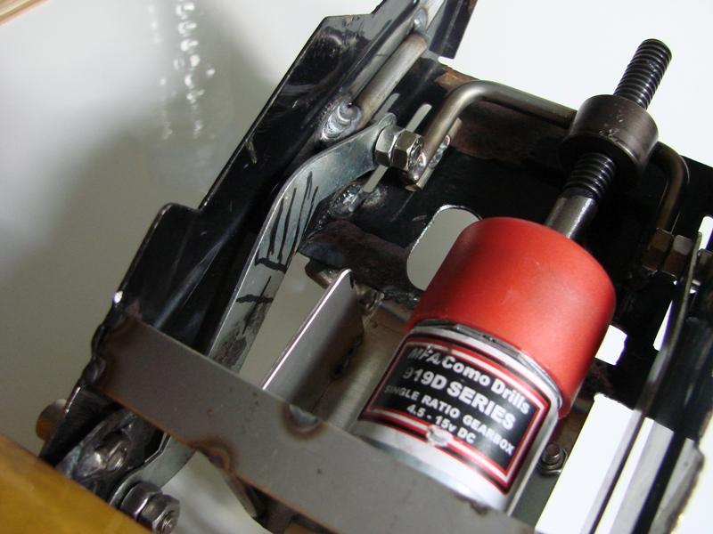 [SCX 10] Chargeur a pneus - Rico 086