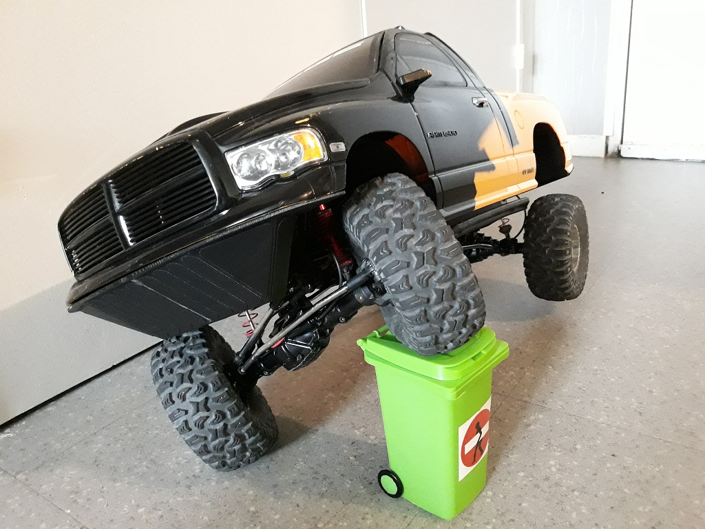 [TRACTION HOBBY CRAGSMAN] Jeep Wrangler  -  Dodge Ram 1500 (page 2) - Page 2 069