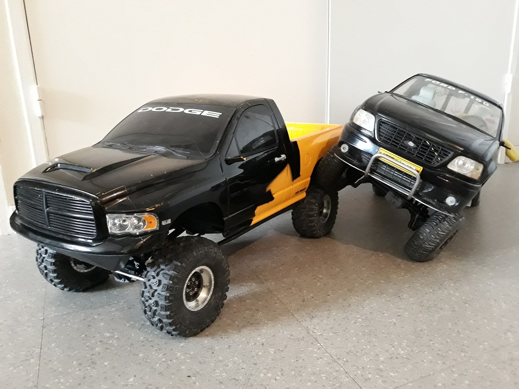 [TRACTION HOBBY CRAGSMAN] Jeep Wrangler  -  Dodge Ram 1500 (page 2) - Page 2 091