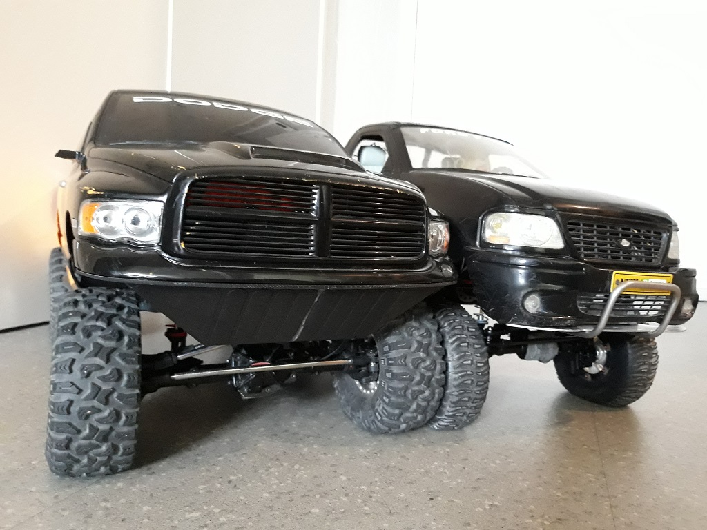 [TRACTION HOBBY CRAGSMAN] Jeep Wrangler  -  Dodge Ram 1500 (page 2) - Page 2 094