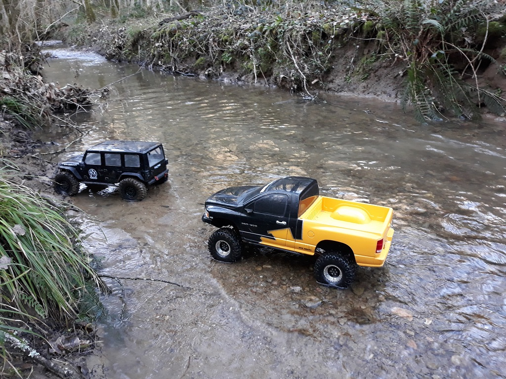 [TRACTION HOBBY CRAGSMAN] Jeep Wrangler  -  Dodge Ram 1500 (page 2) - Page 3 146