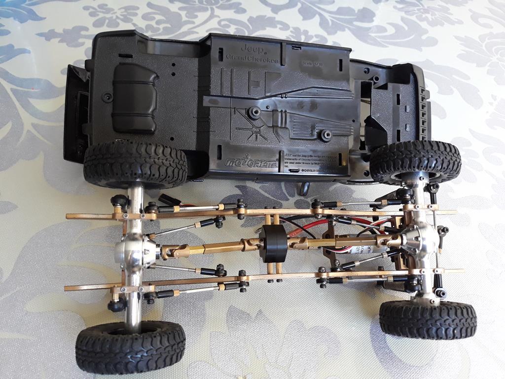 [Orlandoo 1/18] Jeep Grand Cherokee Majorette 1/18 002