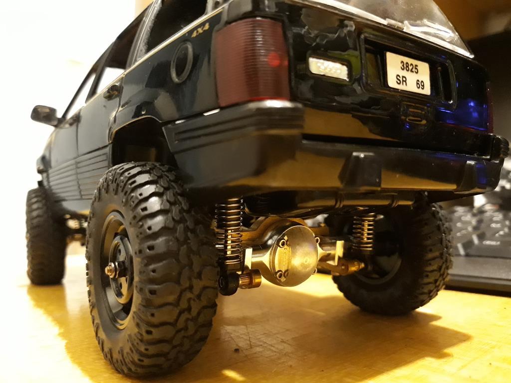 [Orlandoo 1/18] Jeep Grand Cherokee Majorette 1/18 015