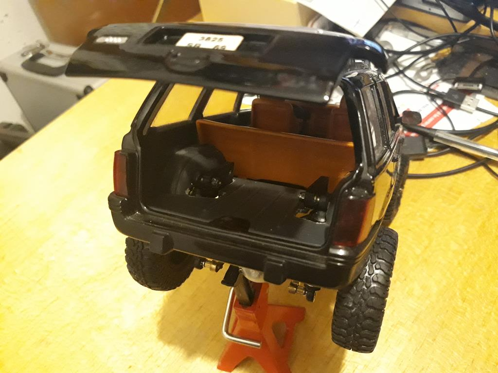 [Orlandoo 1/18] Jeep Grand Cherokee Majorette 1/18 018