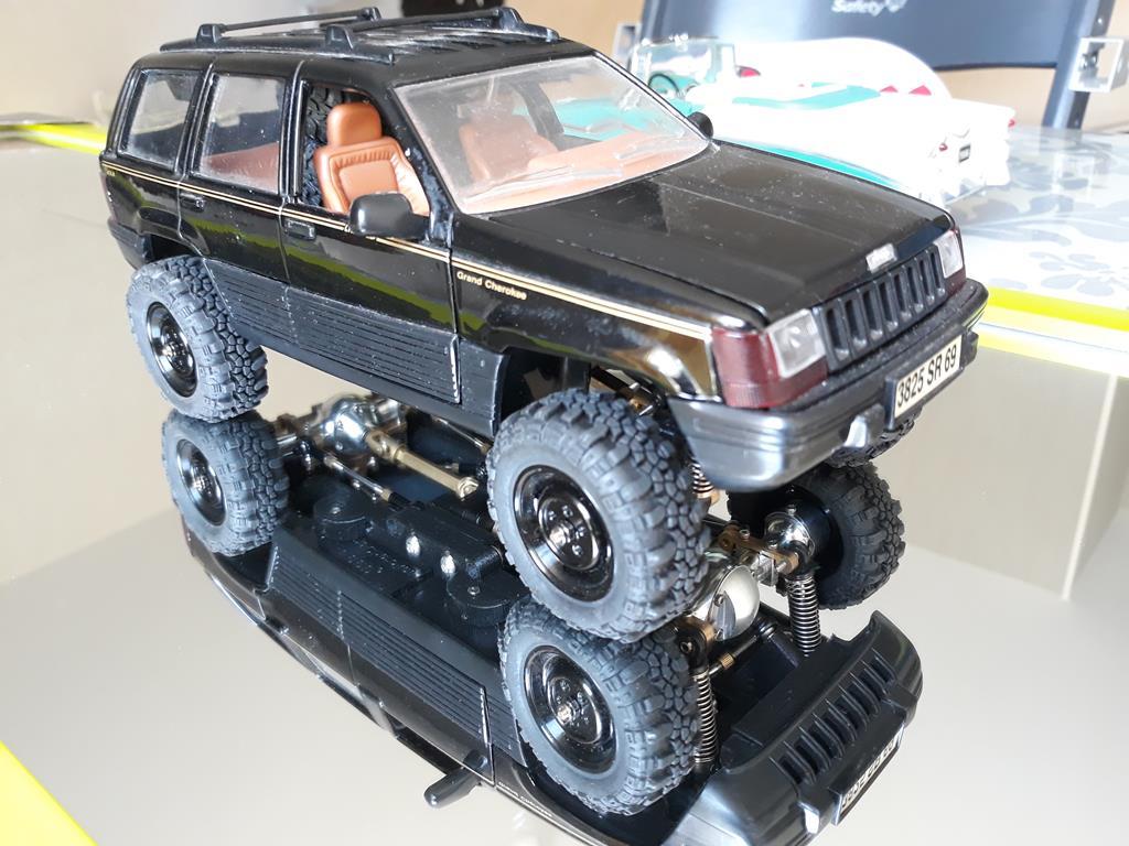 [Orlandoo 1/18] Jeep Grand Cherokee Majorette 1/18 025