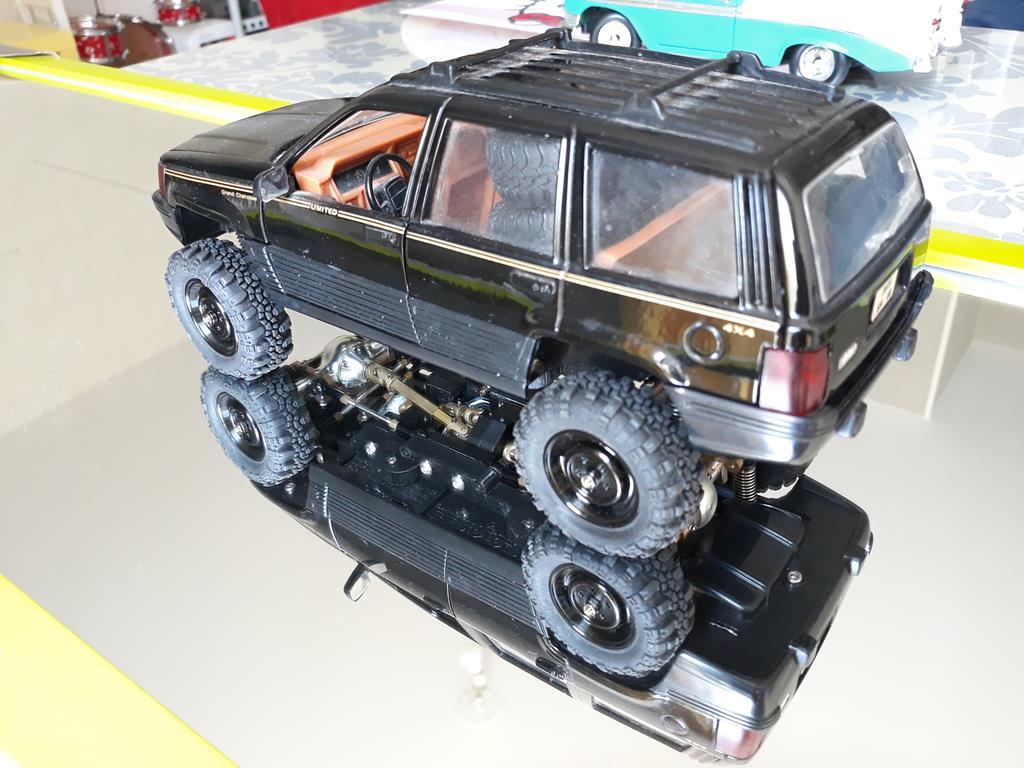 [Orlandoo 1/18] Jeep Grand Cherokee Majorette 1/18 026