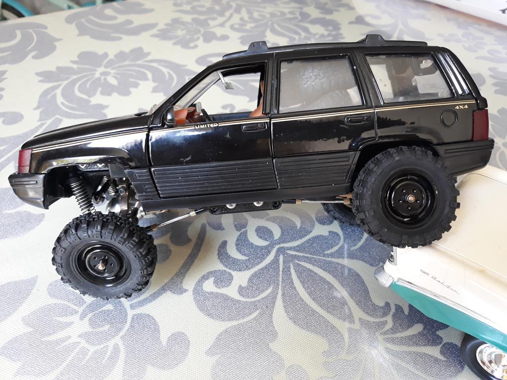 [Orlandoo 1/18] Jeep Grand Cherokee Majorette 1/18 028