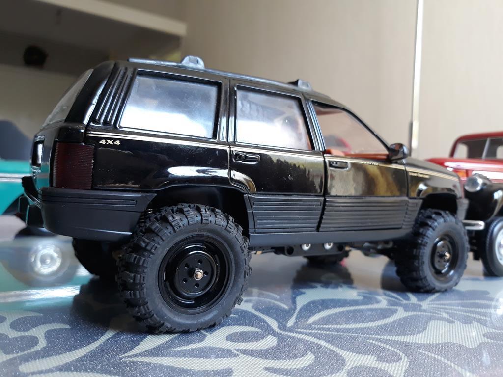 [Orlandoo 1/18] Jeep Grand Cherokee Majorette 1/18 029