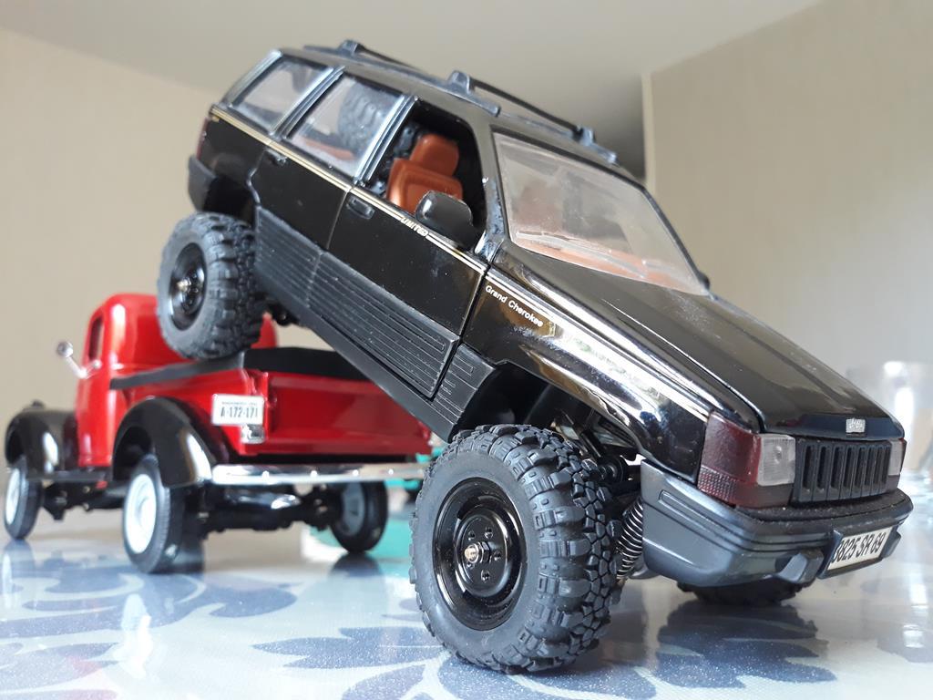 [Orlandoo 1/18] Jeep Grand Cherokee Majorette 1/18 030