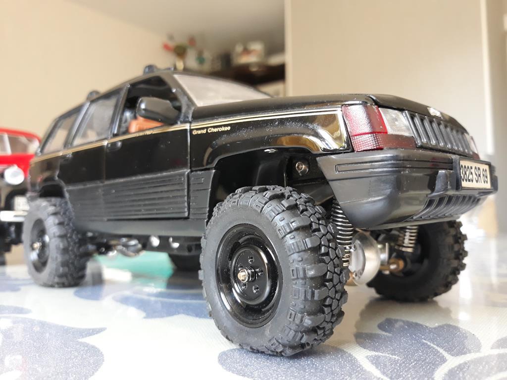[Orlandoo 1/18] Jeep Grand Cherokee Majorette 1/18 031