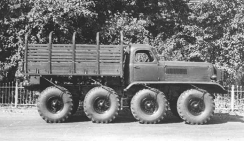 [Venom Creeper/Axial SCX10] ZIS E134 1955 - 8x8 ou 12x12 avec la remorque 003