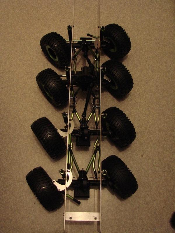 [Venom Creeper/Axial SCX10] ZIS E134 1955 - 8x8 ou 12x12 avec la remorque 039